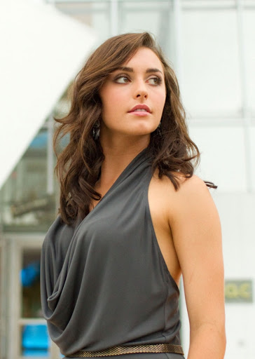 Kathryn McCormick Height, Weight, Body Measurements ...