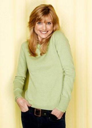 Courtney Thorne-Smith Measurements   Bollywood Vision